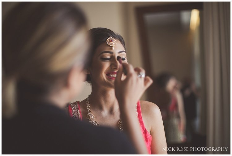 Indian bride getting ready for a Dubai wedding at the Sofitel in Palm Jumeirah