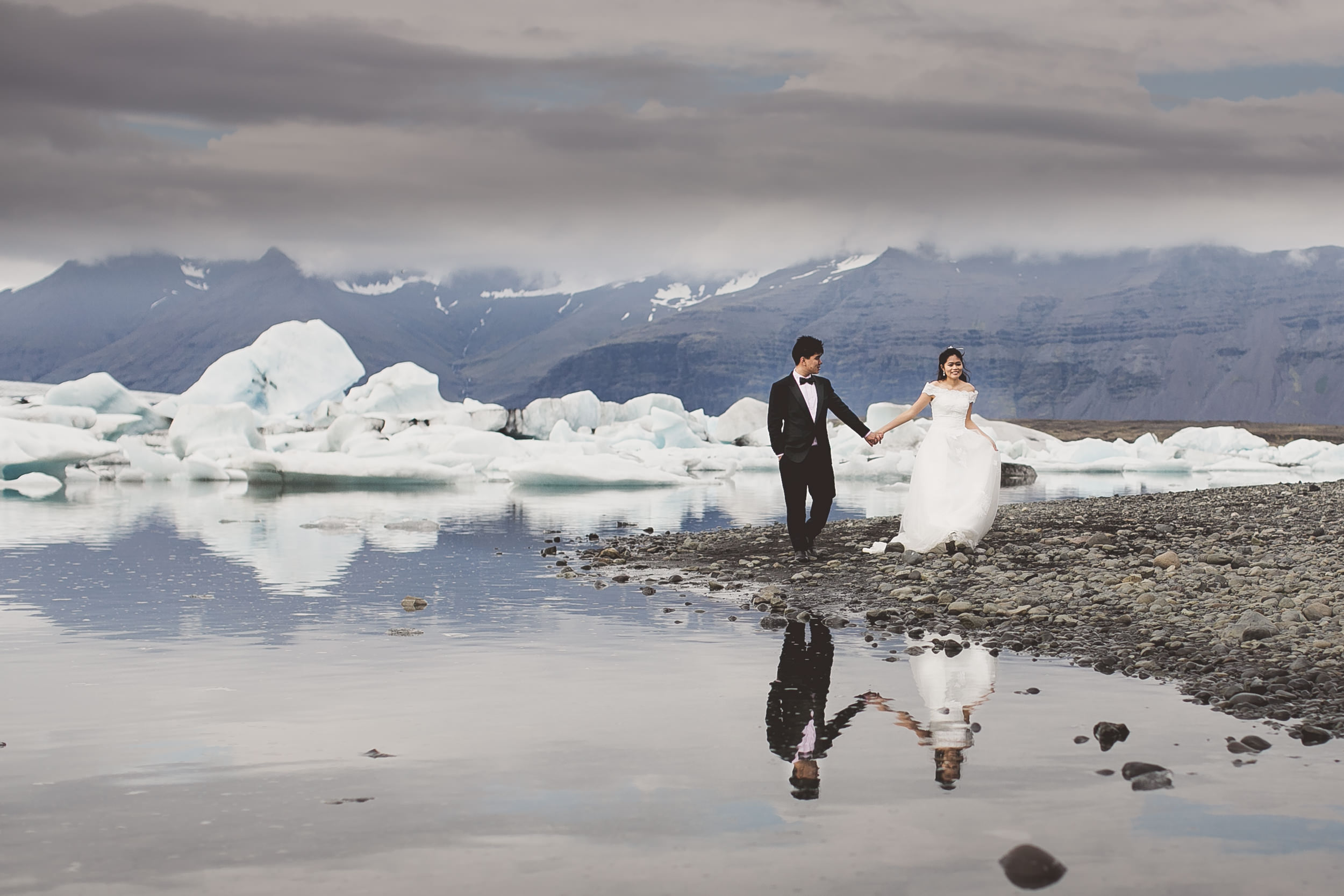 Iceland destination pre wedding photography at the Ice Lagoon