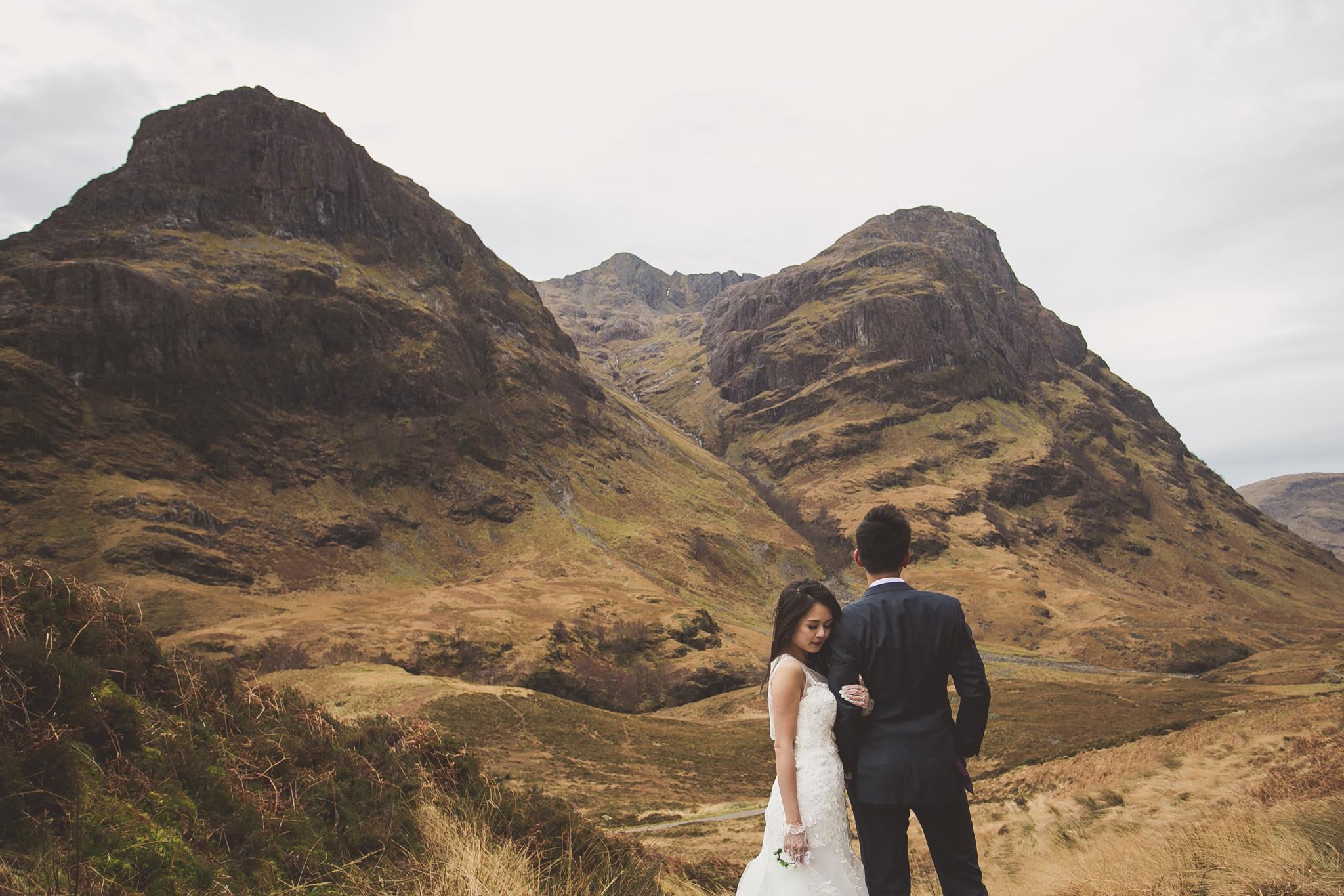 Scottish highlands pre wedding photos shoot in Glencoe