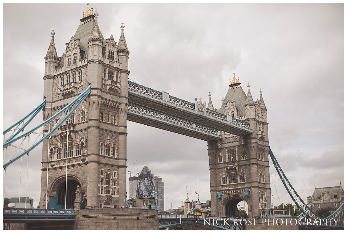 Tower Bridge in London is an iconic location for pre wedding photography