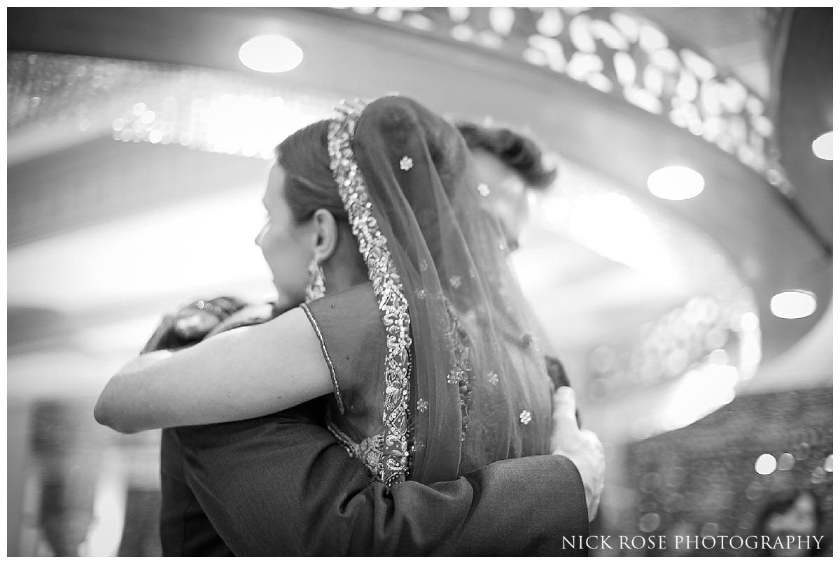 Savoy London Hindu Wedding Photography29.jpg
