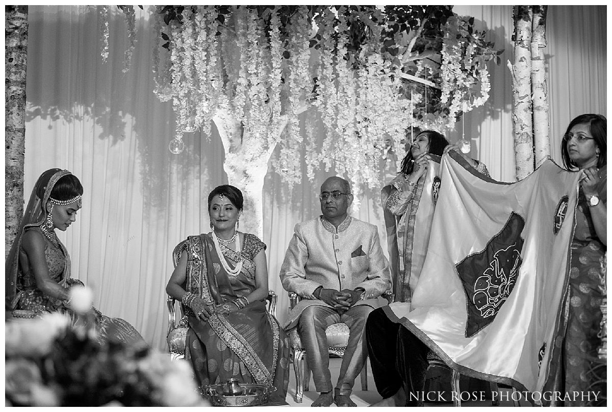 Hunton Park Hotel Indian Wedding Photography_0021.jpg