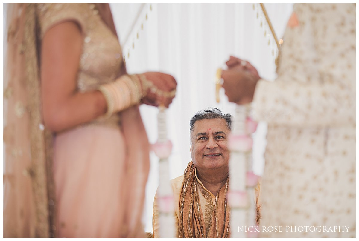 Quendon Hall Hindu Wedding Photography_0015.jpg