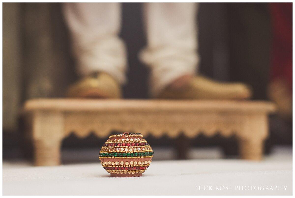 Hilton Syon Park Indian Wedding Photography_0016.jpg