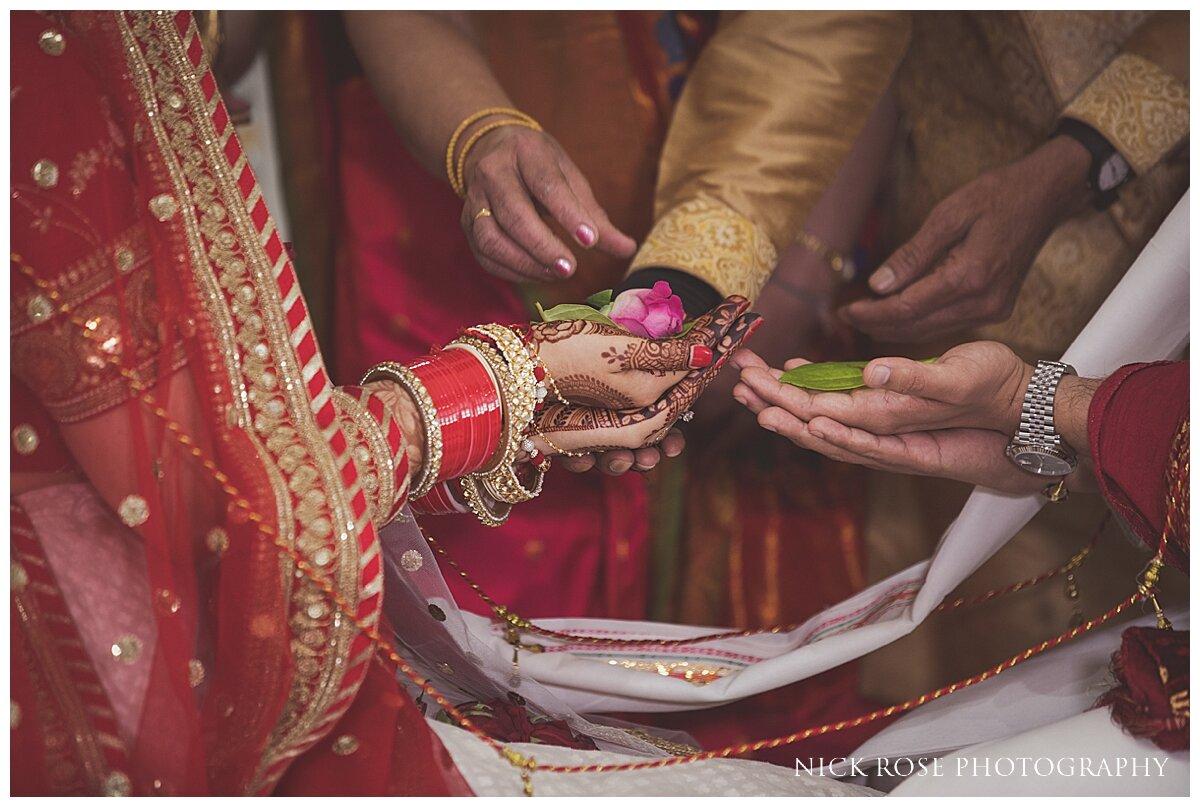 Hilton Syon Park Indian Wedding Photography_0022.jpg