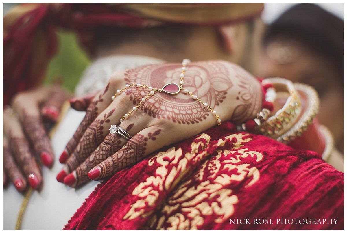 Hilton Syon Park Indian Wedding Photography_0034.jpg