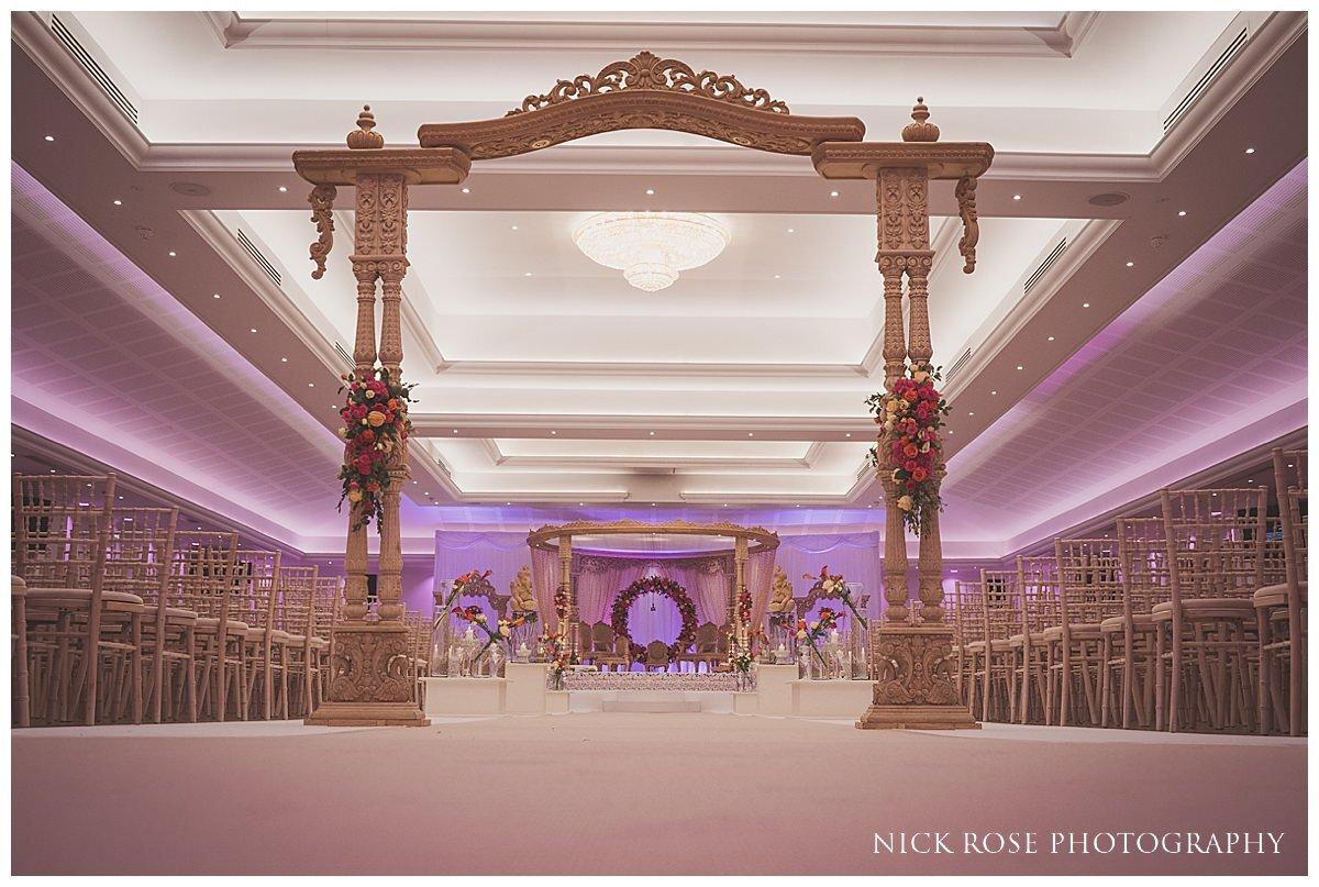 Oshwal Centre Hindu Wedding Photography_0014.jpg