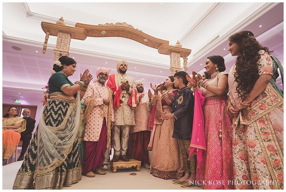 Oshwal Centre Hindu Wedding Photography_0015.jpg