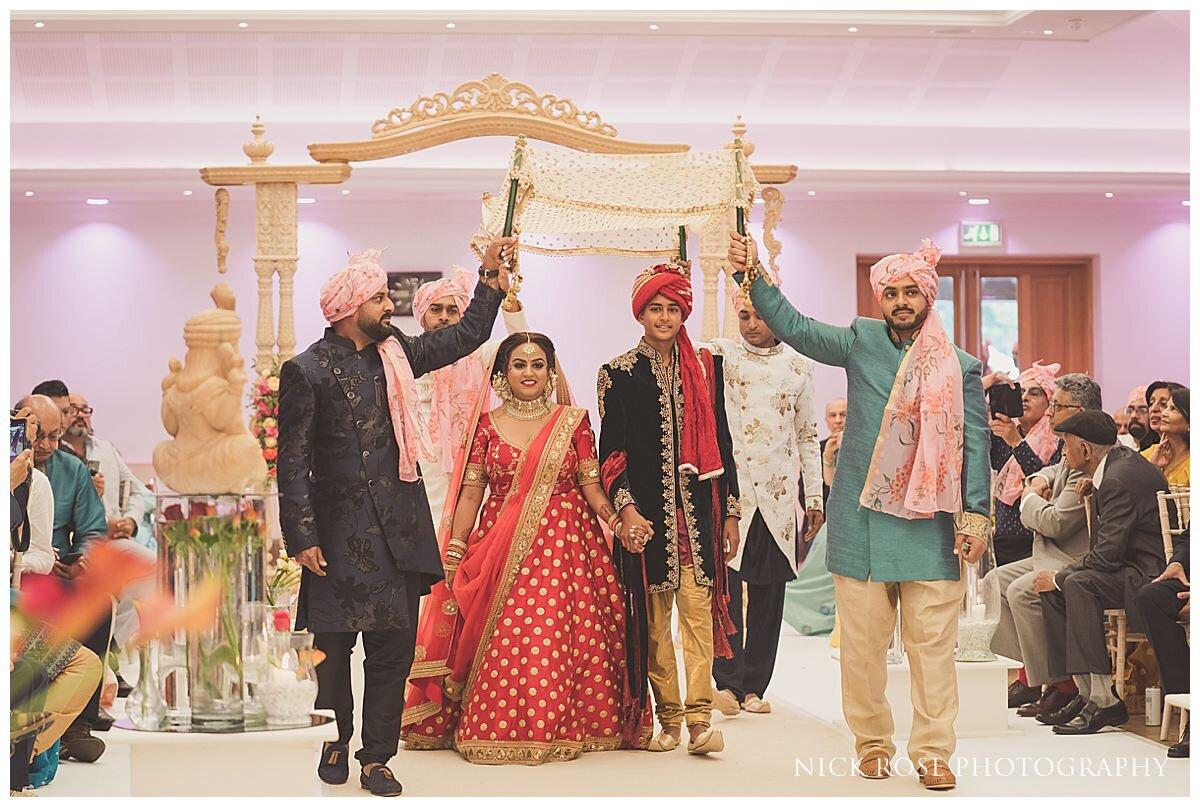 Oshwal Centre Hindu Wedding Photography_0017.jpg