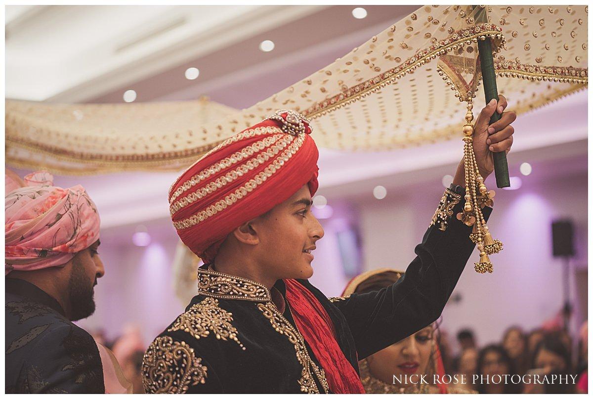 Oshwal Centre Hindu Wedding Photography_0018.jpg