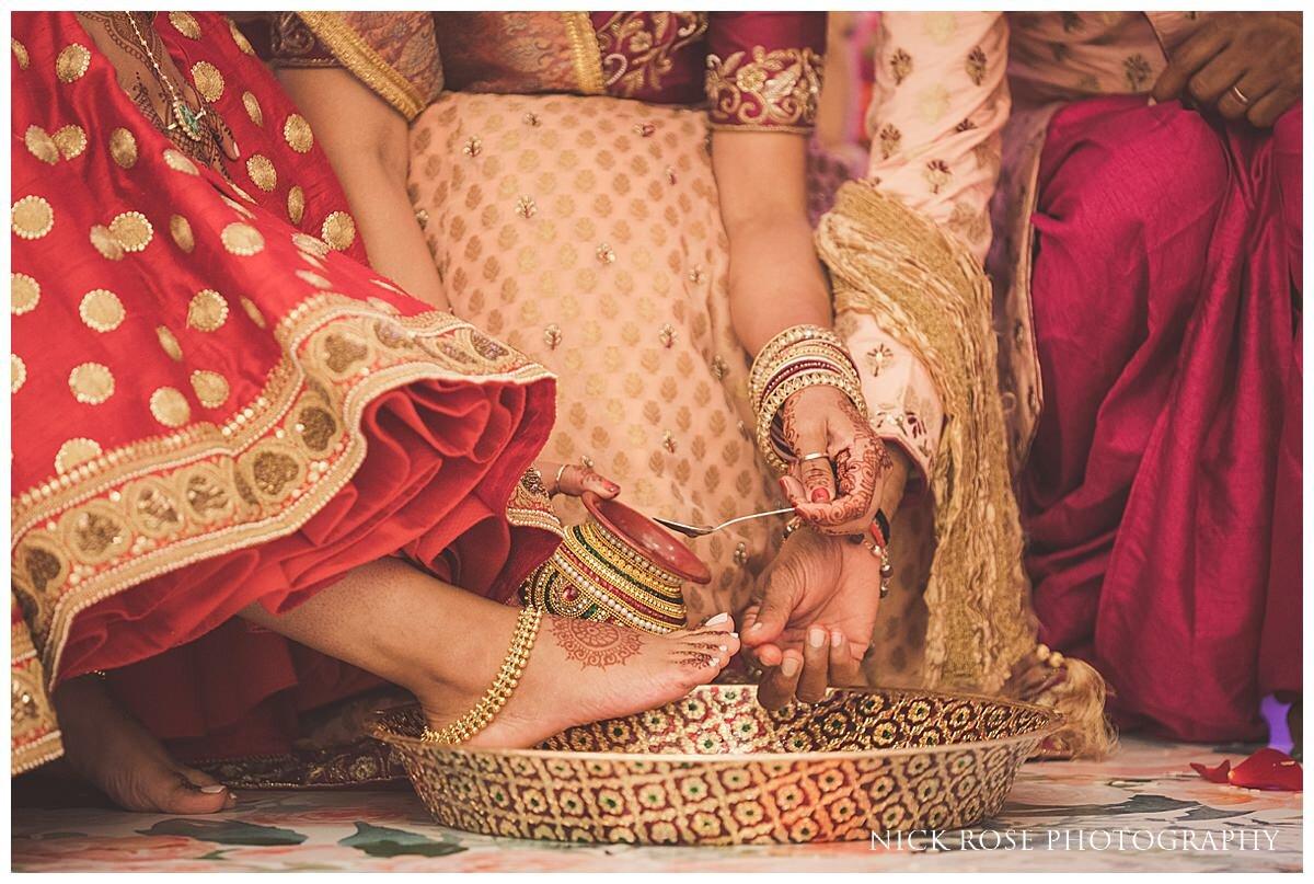 Oshwal Centre Hindu Wedding Photography_0020.jpg