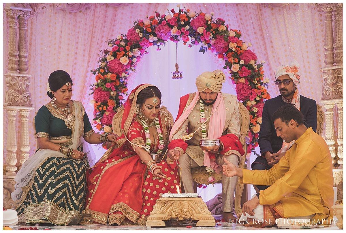 Oshwal Centre Hindu Wedding Photography_0023.jpg