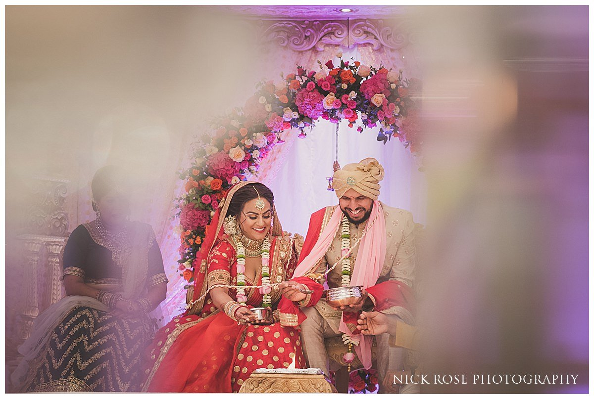 Oshwal Centre Hindu Wedding Photography_0025.jpg