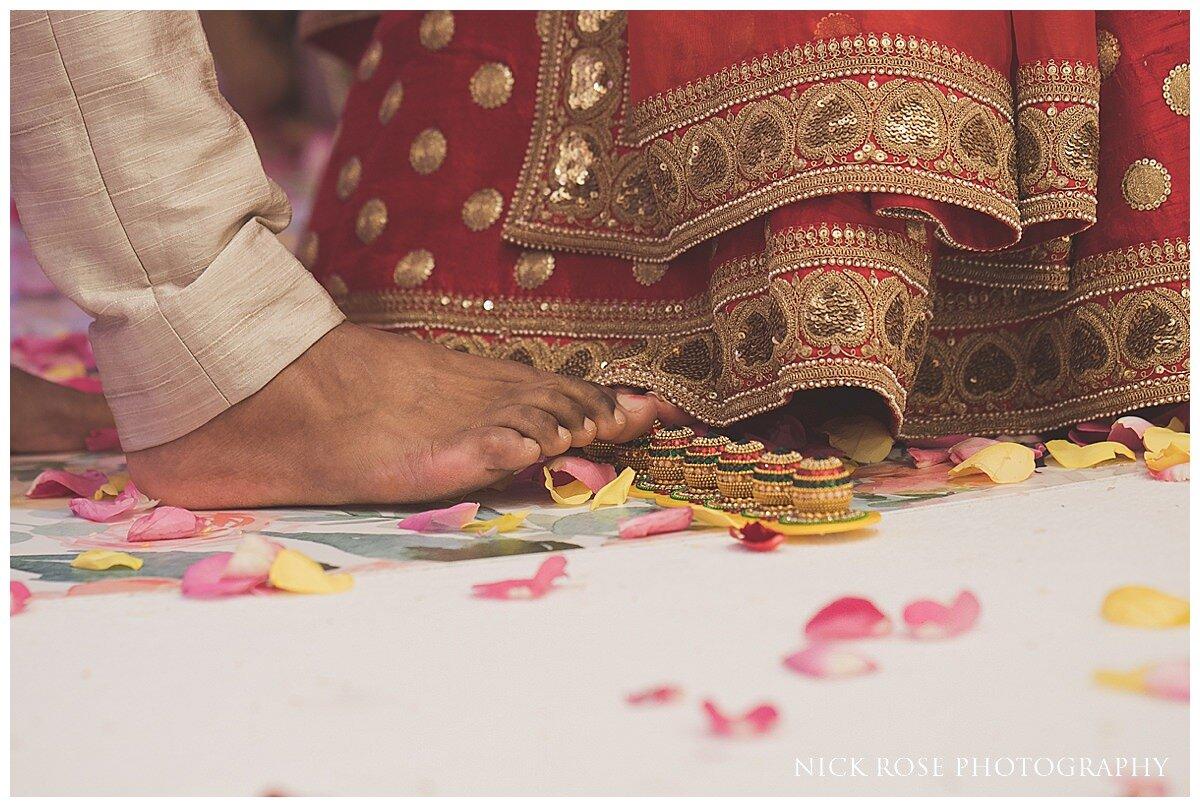Oshwal Centre Hindu Wedding Photography_0029.jpg
