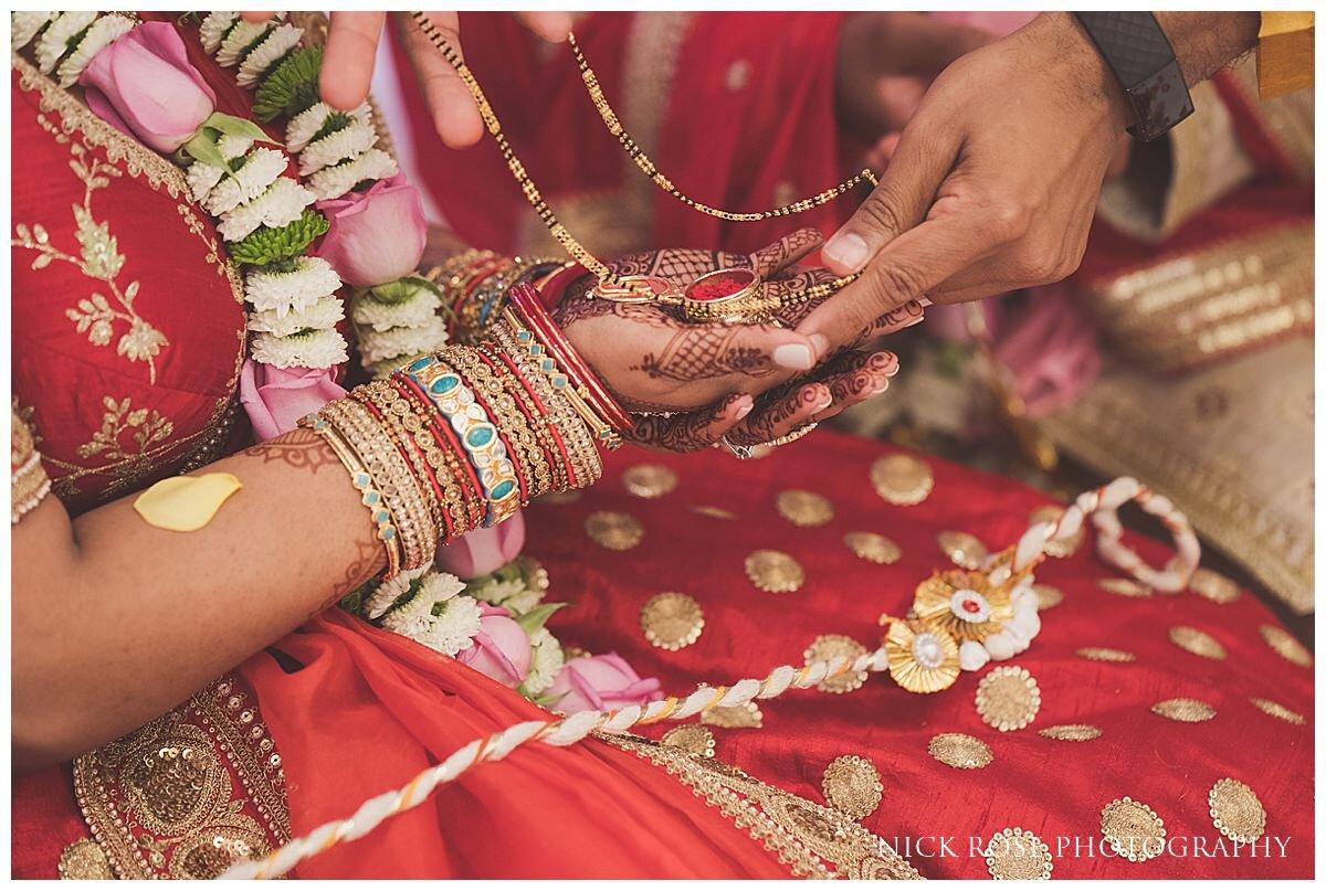 Oshwal Centre Hindu Wedding Photography_0030.jpg