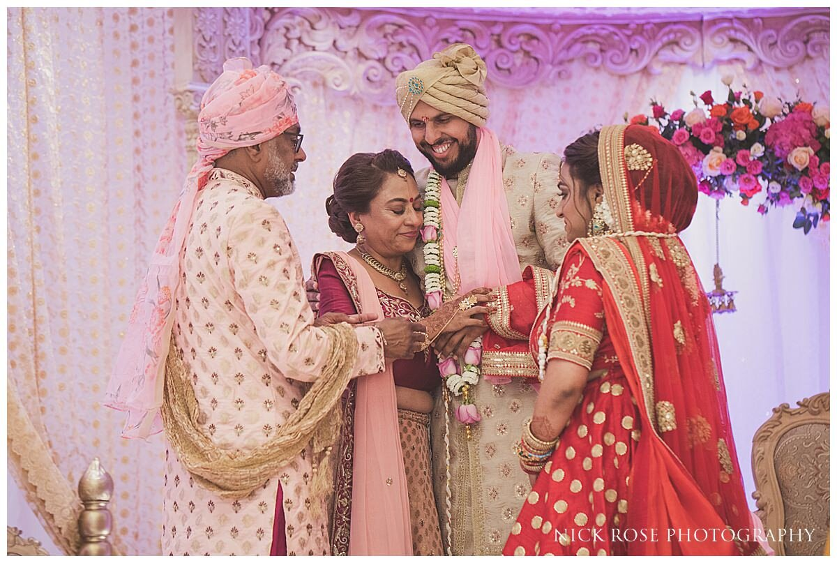 Oshwal Centre Hindu Wedding Photography_0032.jpg