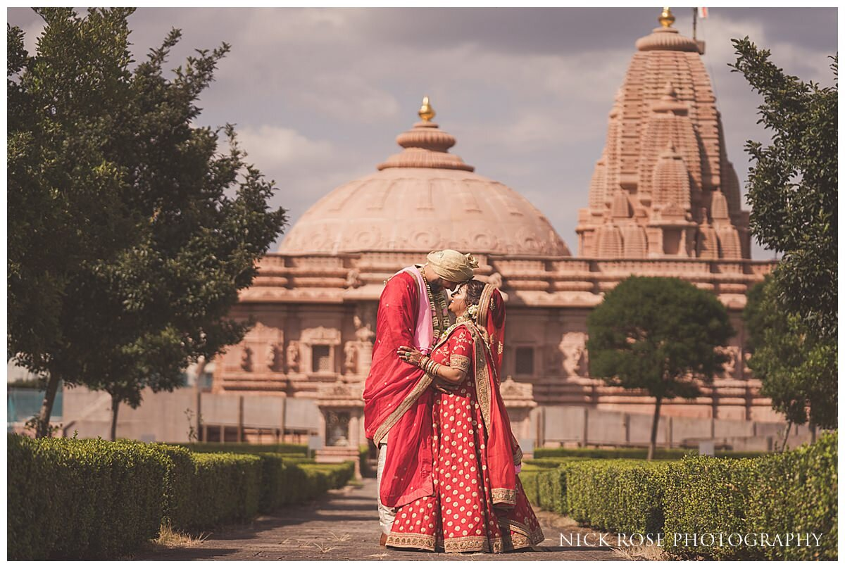 Oshwal Centre Hindu Wedding Photography_0034.jpg