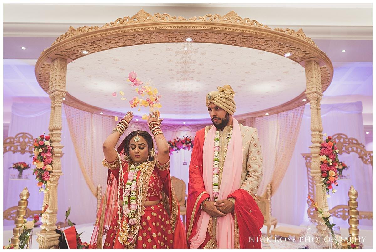 Oshwal Centre Hindu Wedding Photography_0040.jpg