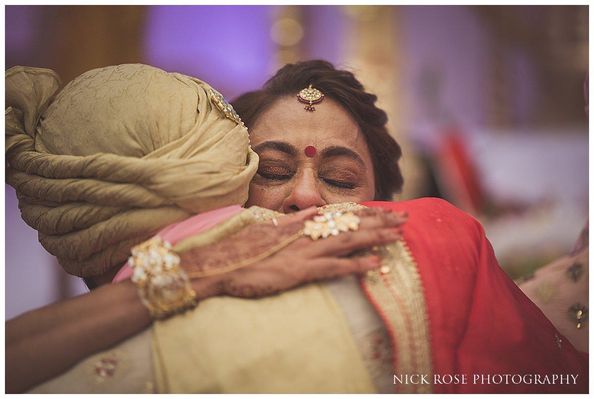 Oshwal Centre Hindu Wedding Photography_0041.jpg