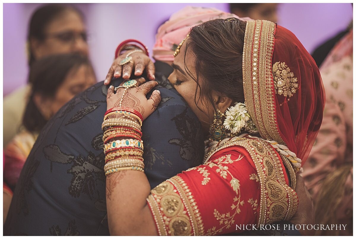 Oshwal Centre Hindu Wedding Photography_0042.jpg