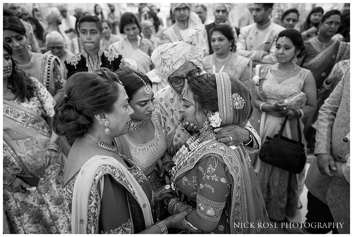 Oshwal Centre Hindu Wedding Photography_0043.jpg