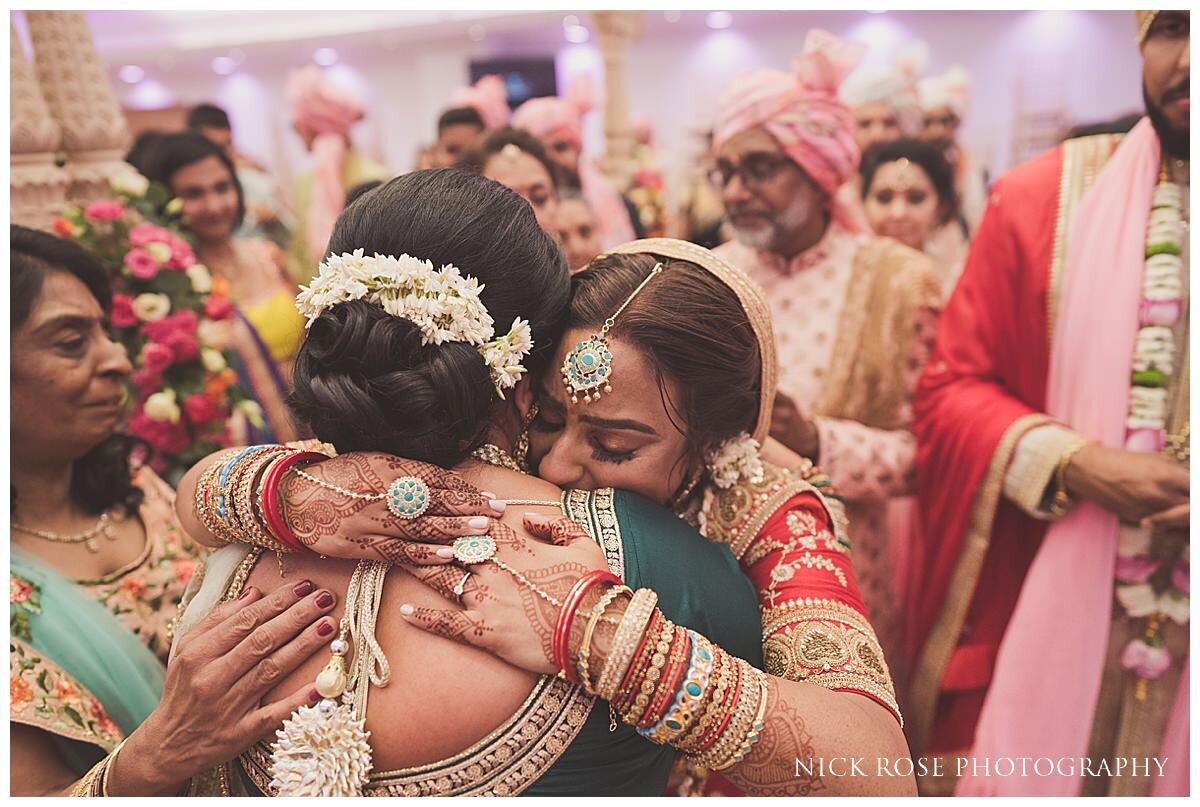 Oshwal Centre Hindu Wedding Photography_0044.jpg