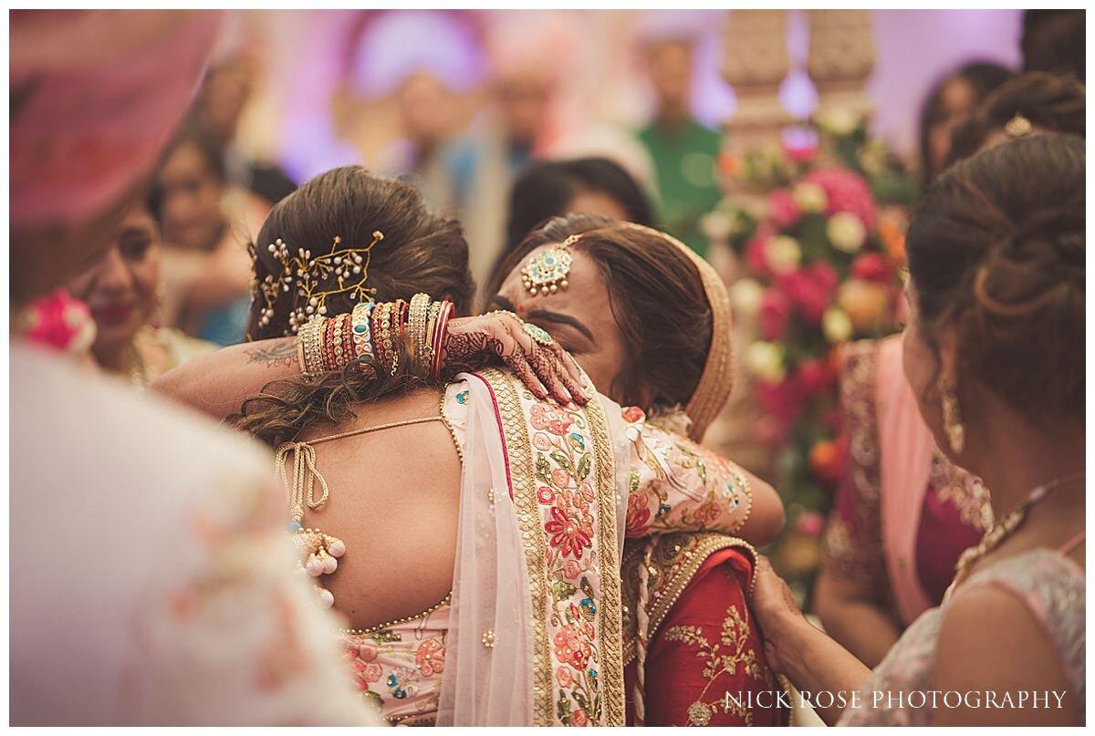 Oshwal Centre Hindu Wedding Photography_0045.jpg