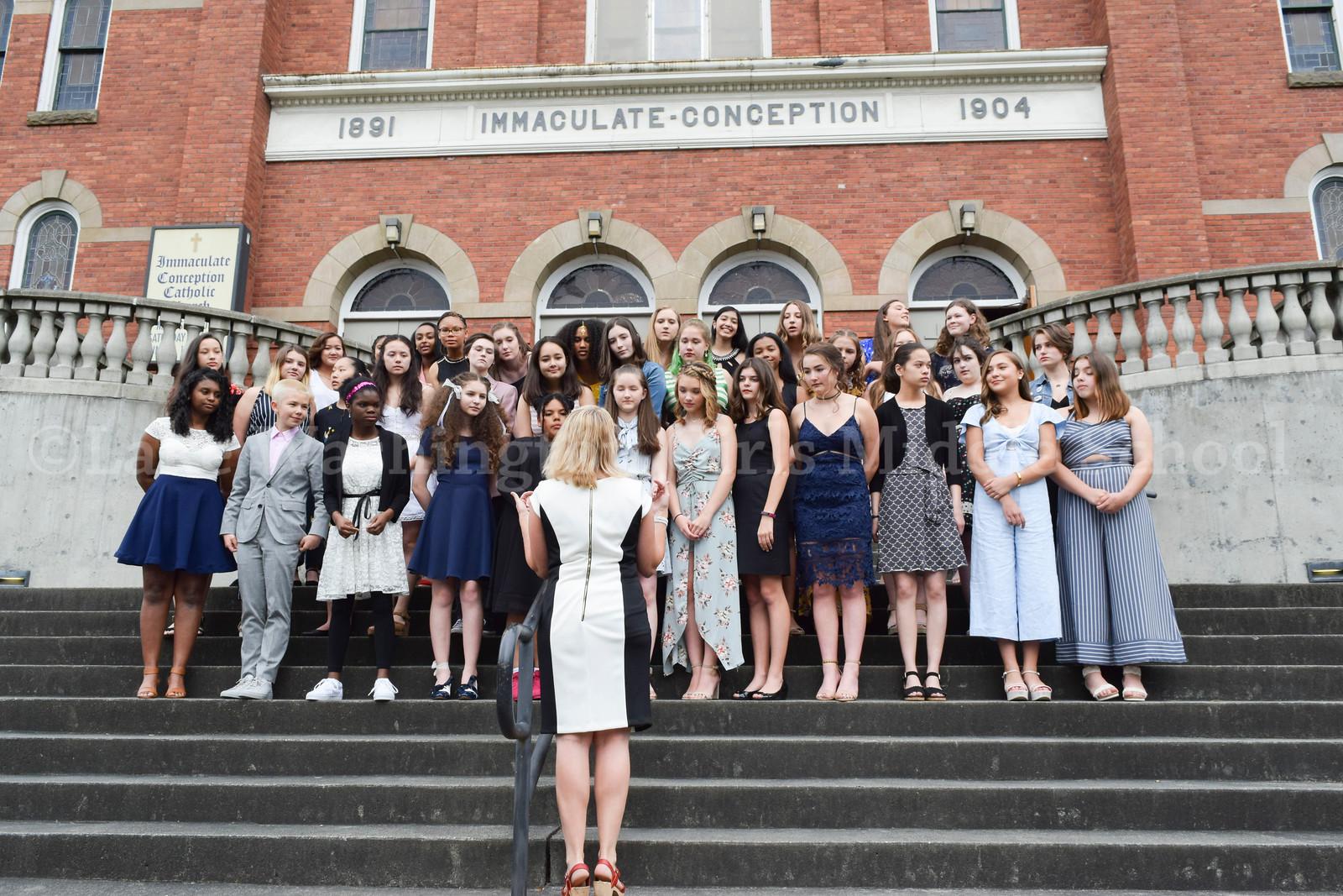 1718_Graduation_028.jpg