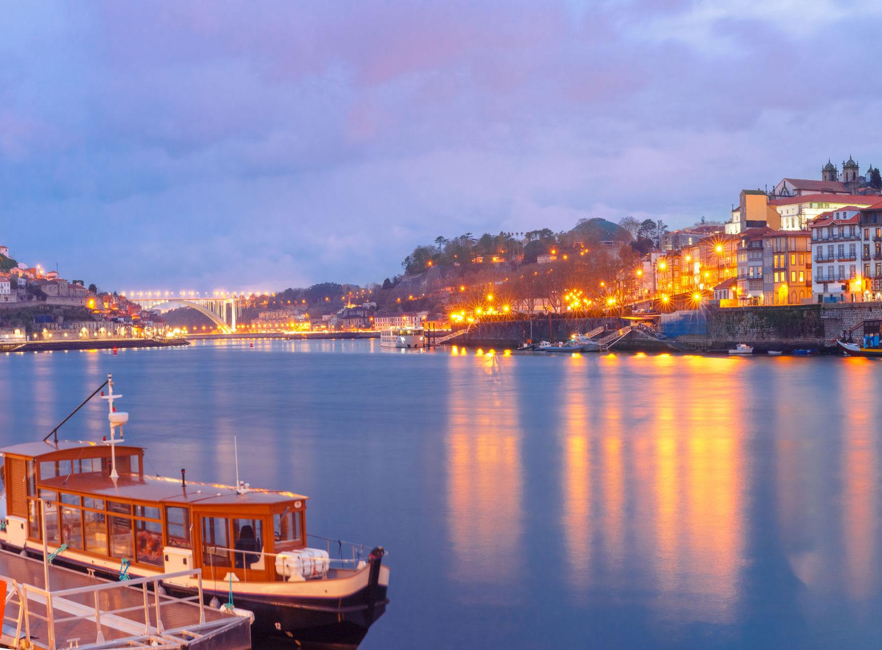 76973816_l_Porto_web resized_left.jpeg