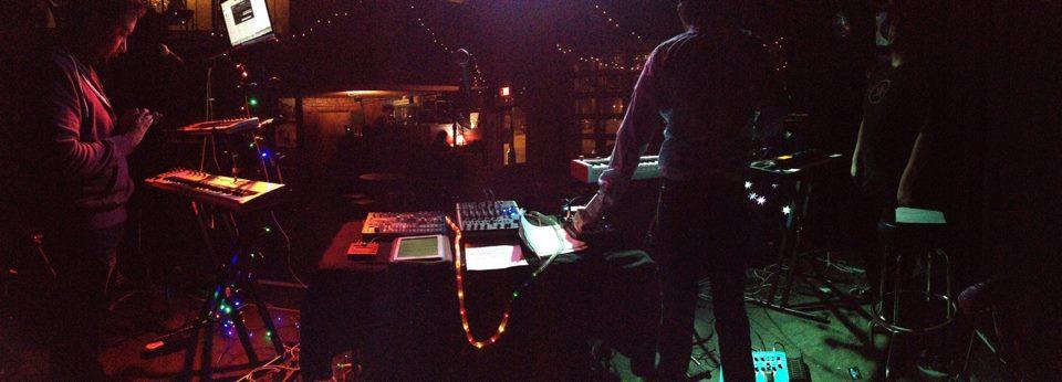 Evrywhr live at Liquid Lounge