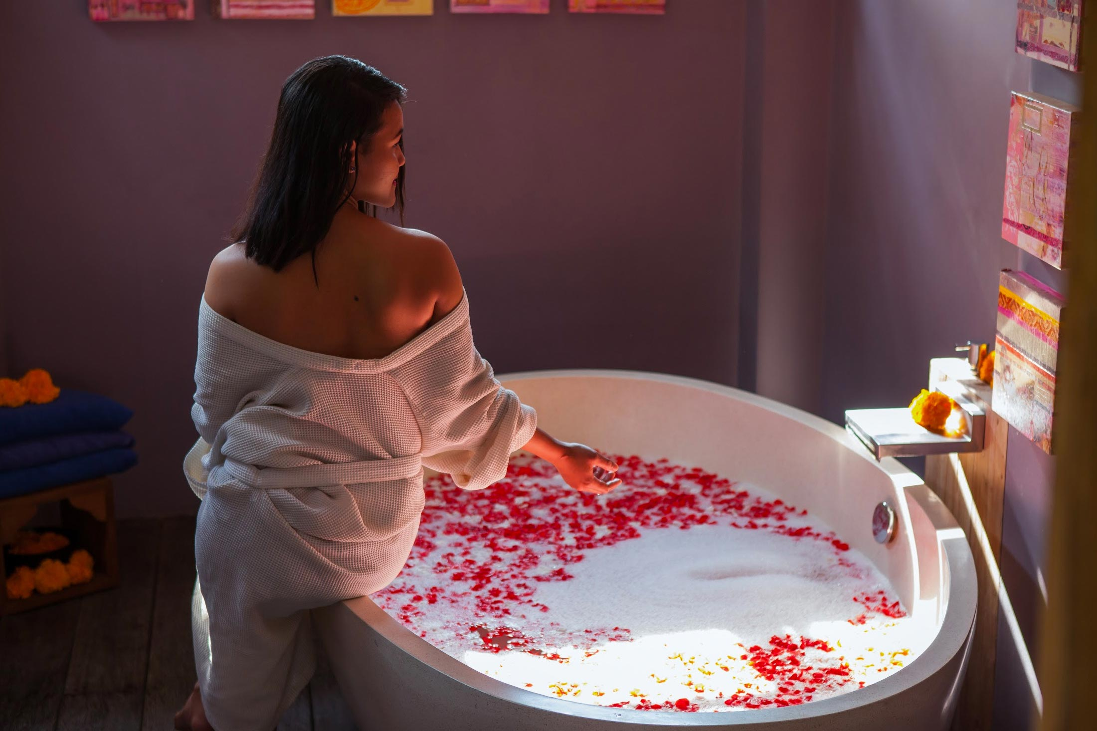 RECEIVE - Receive everyday in the onsite spa, five treatments are included in your package.