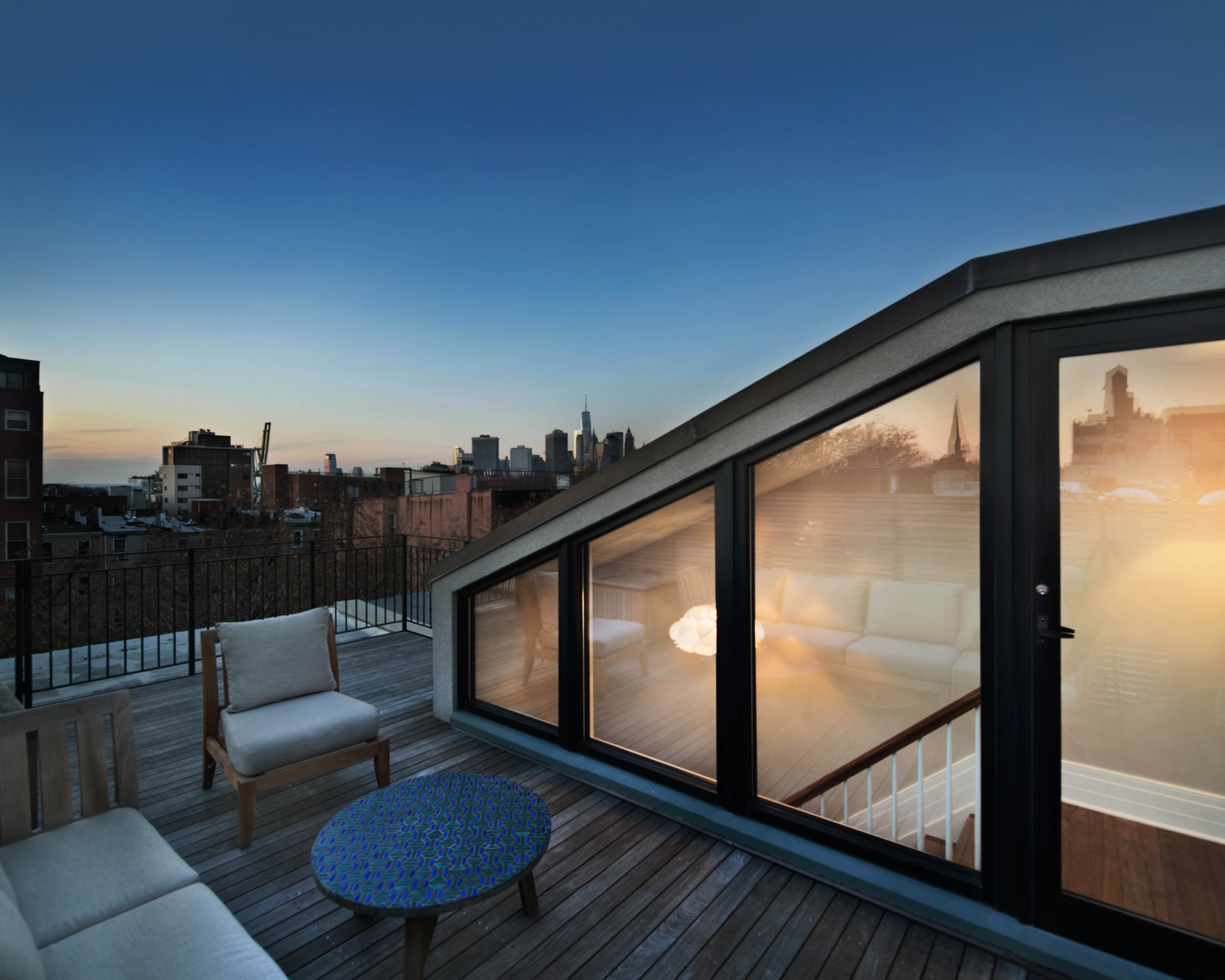 37_Cheever_Roof_2_260.jpg