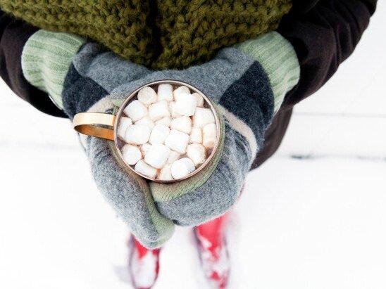 Recipe: Hot Chocolate Bar + Sledding Party