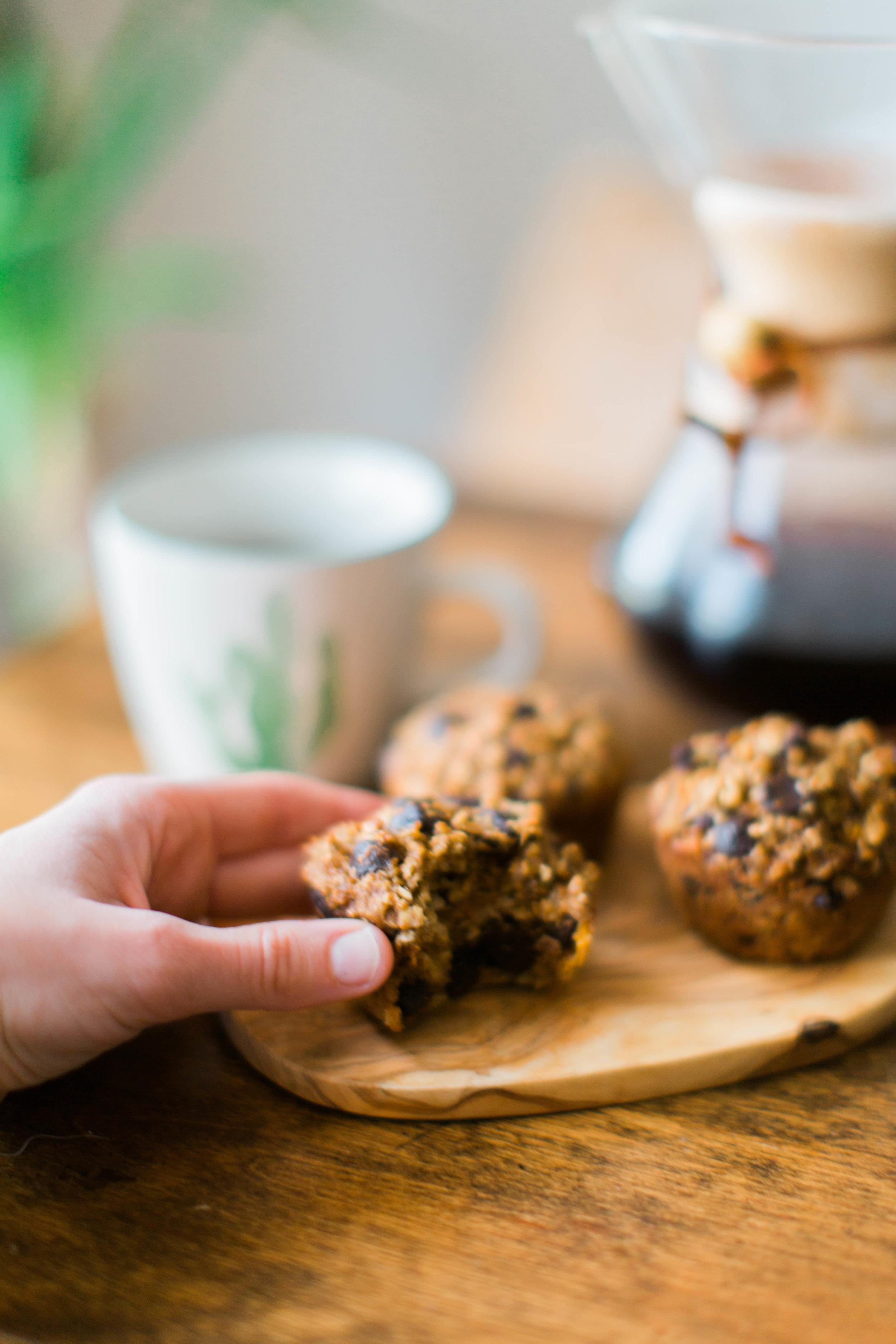 jennahazelphotoghy-pumpkin-chocolate-chip-oatmeal-muffins-8188.jpg