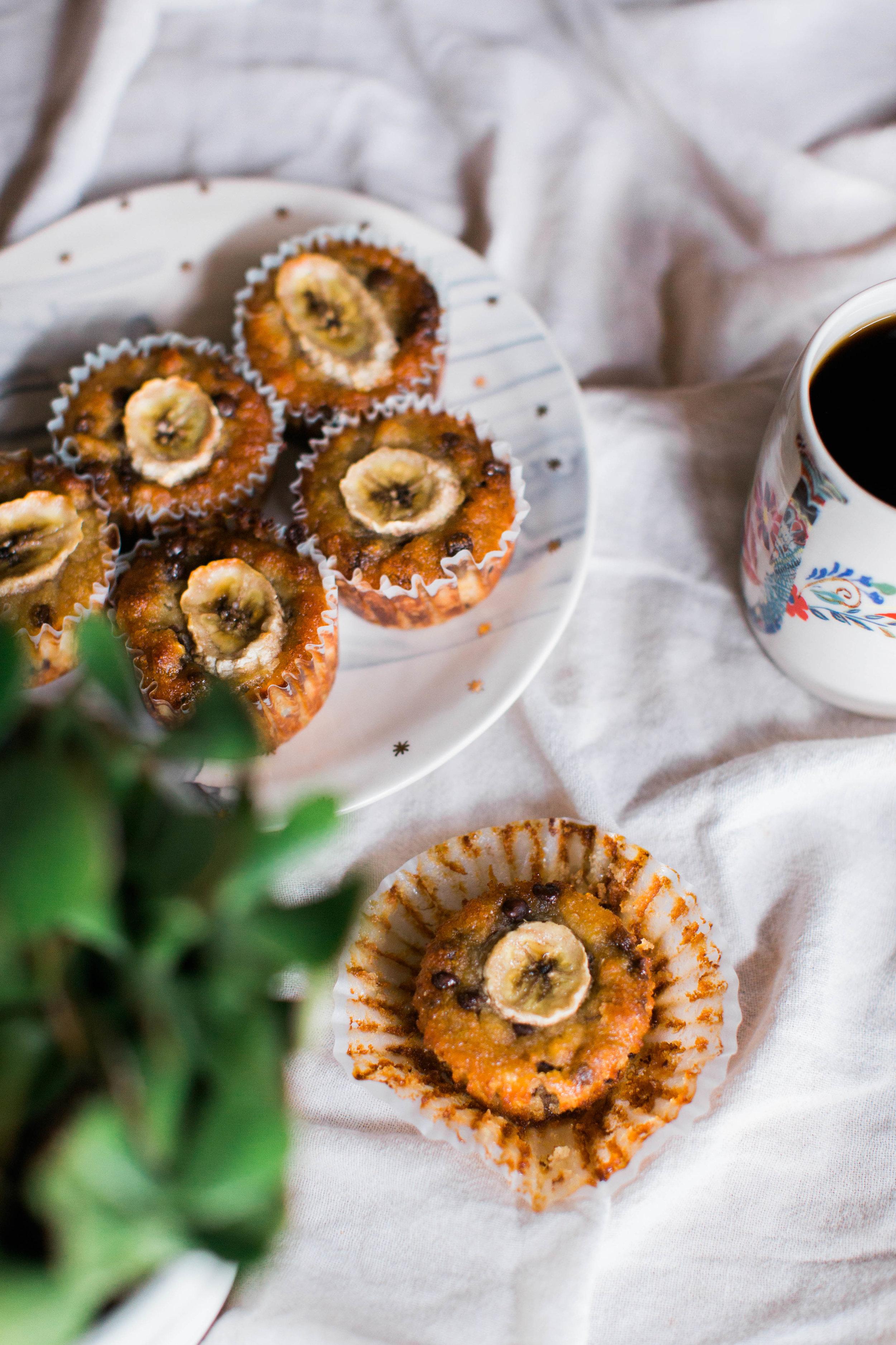 jennahazelphotography-paleo-banana-chocolate-chip-muffins-1145.jpg