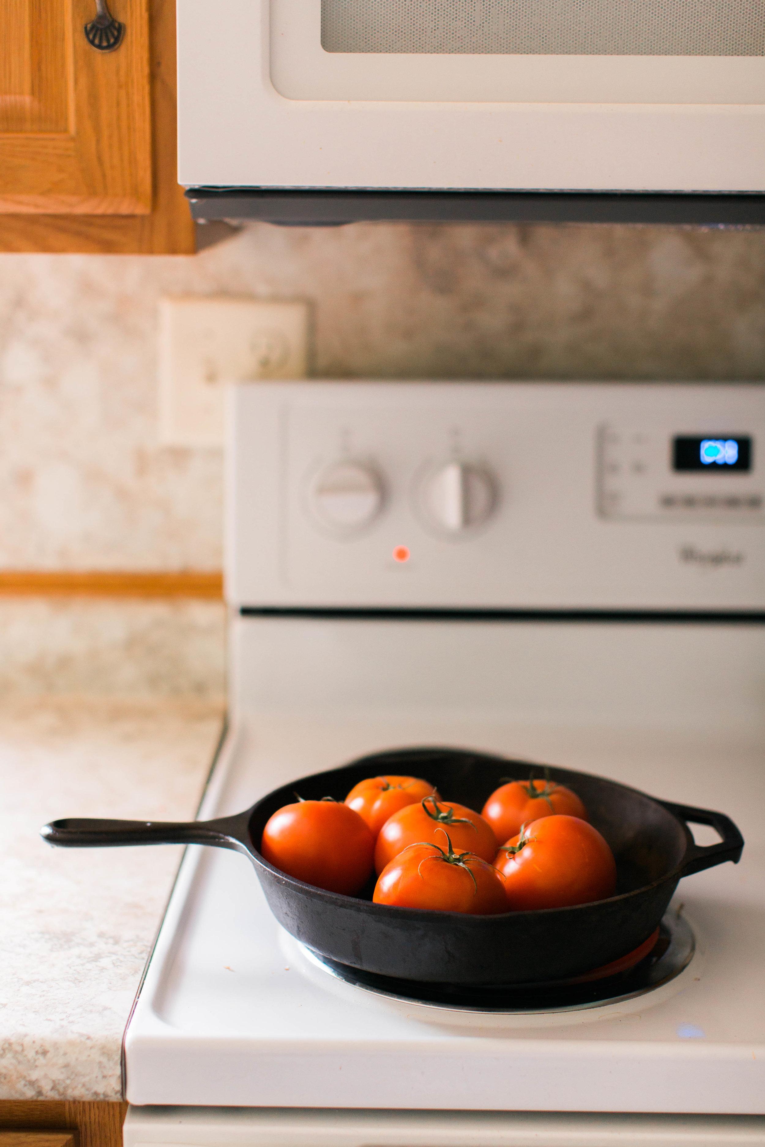 jennahazelphotography-simple-tomato-sauce-6525.jpg