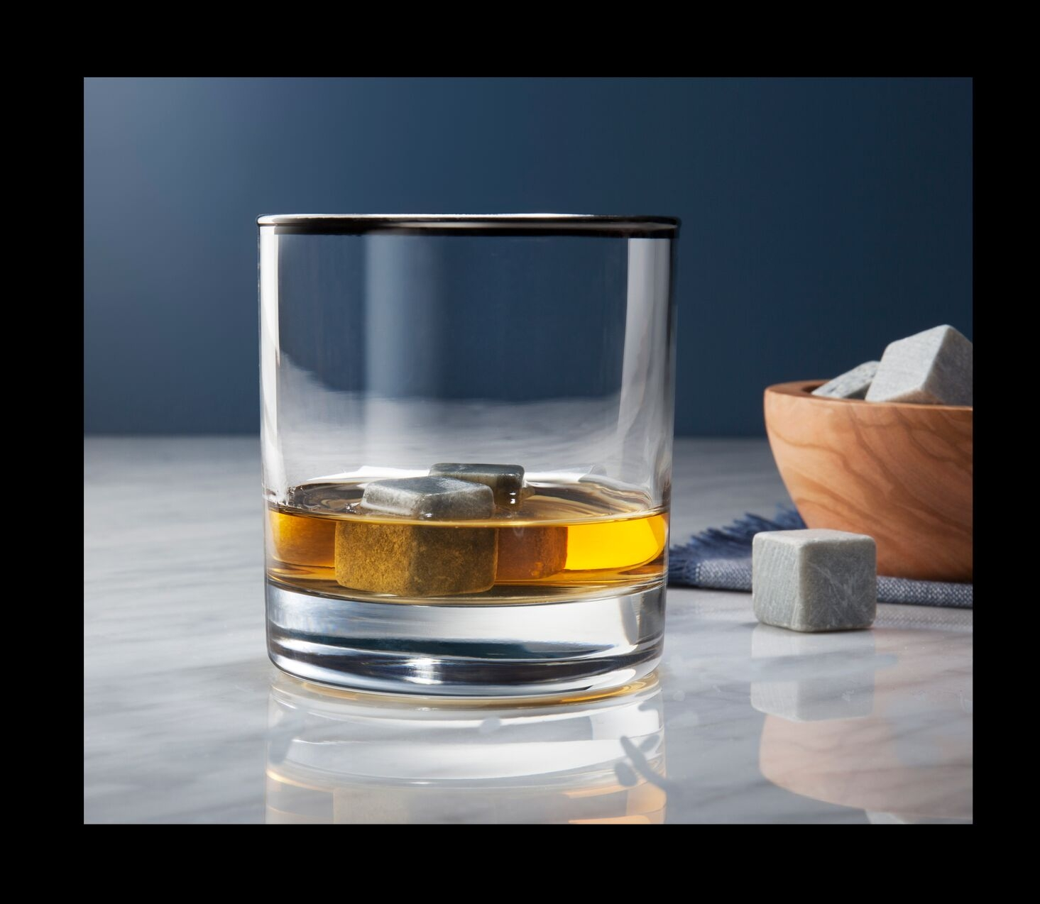C-00835-01-010_HPBG_Whiskey_MarWk1_2Pack_Whiskey+Stones copy_preview.jpeg