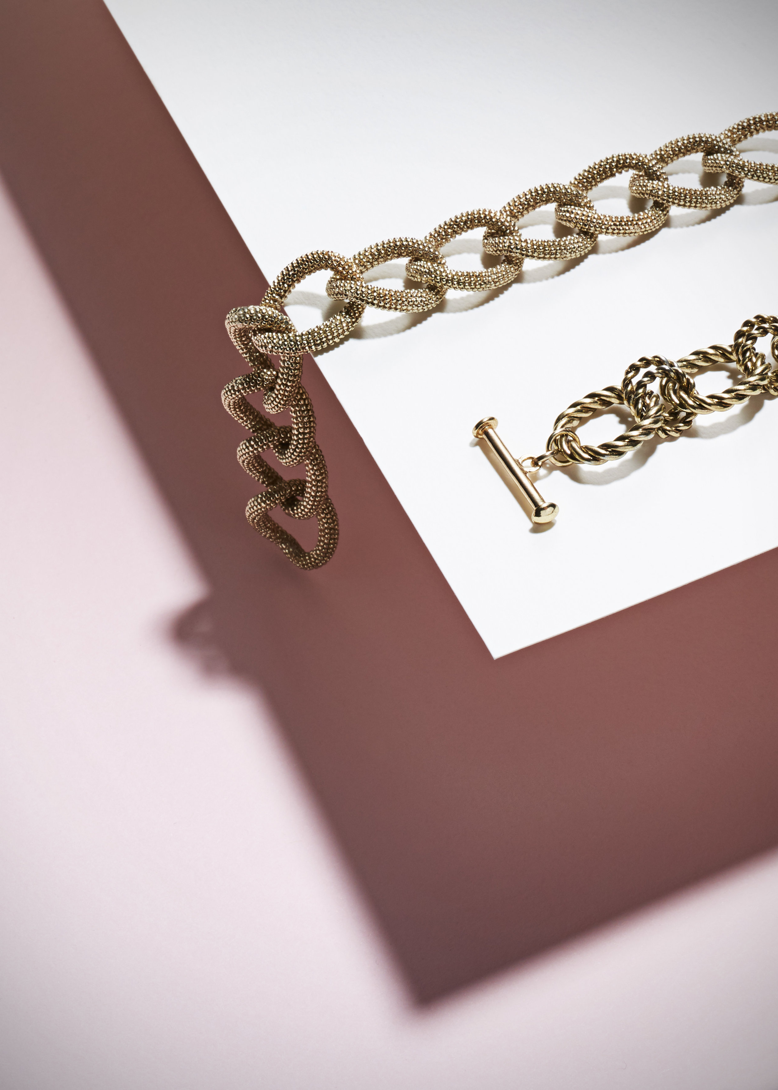 necklace_goldMickie_Clark-sethiversonphoto_2_5583 1.jpg