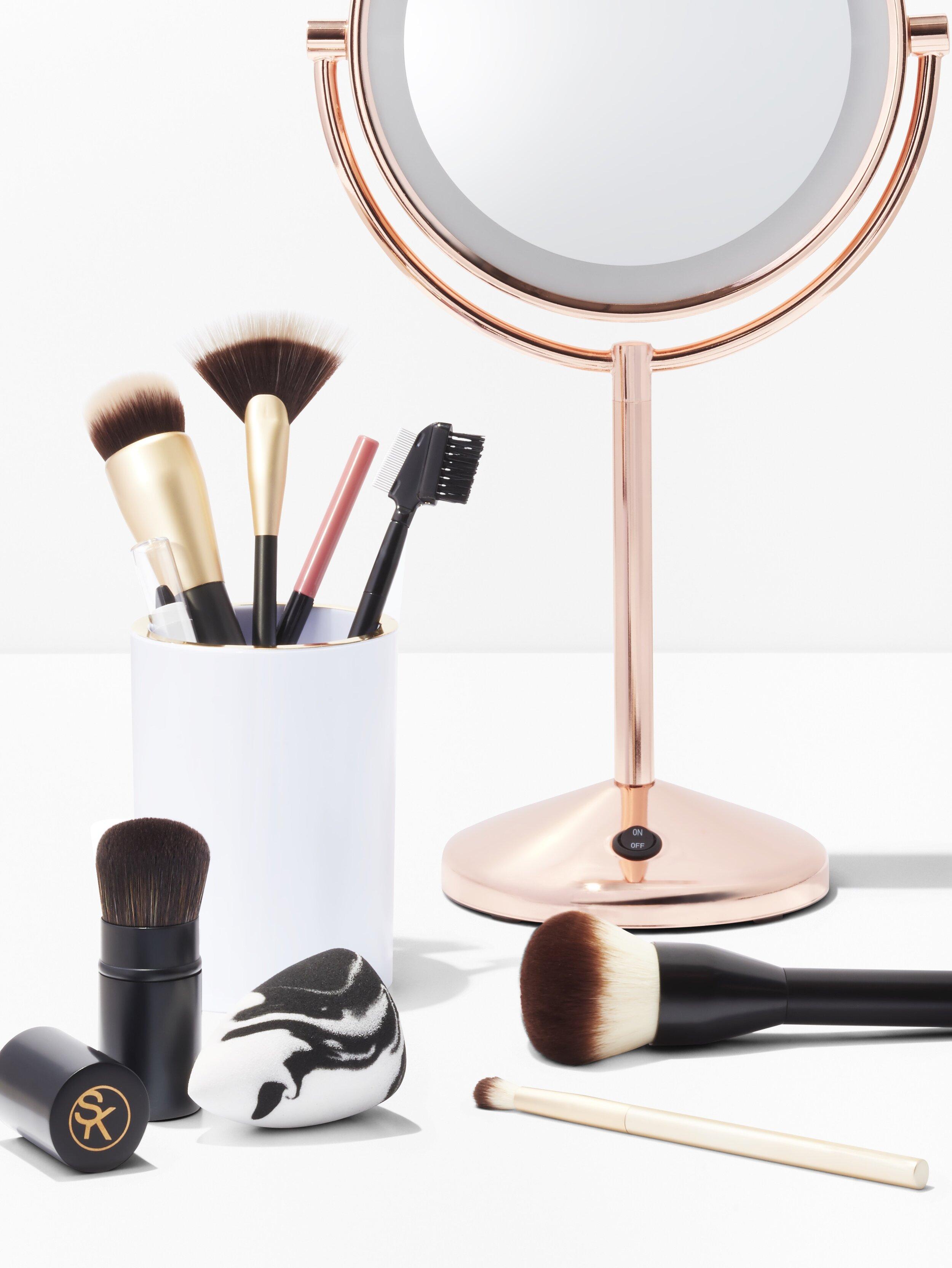 C-001088-01-050_Beauty_08Wk3_SoniaKashuk_MakeupBrushes_cropped.jpg
