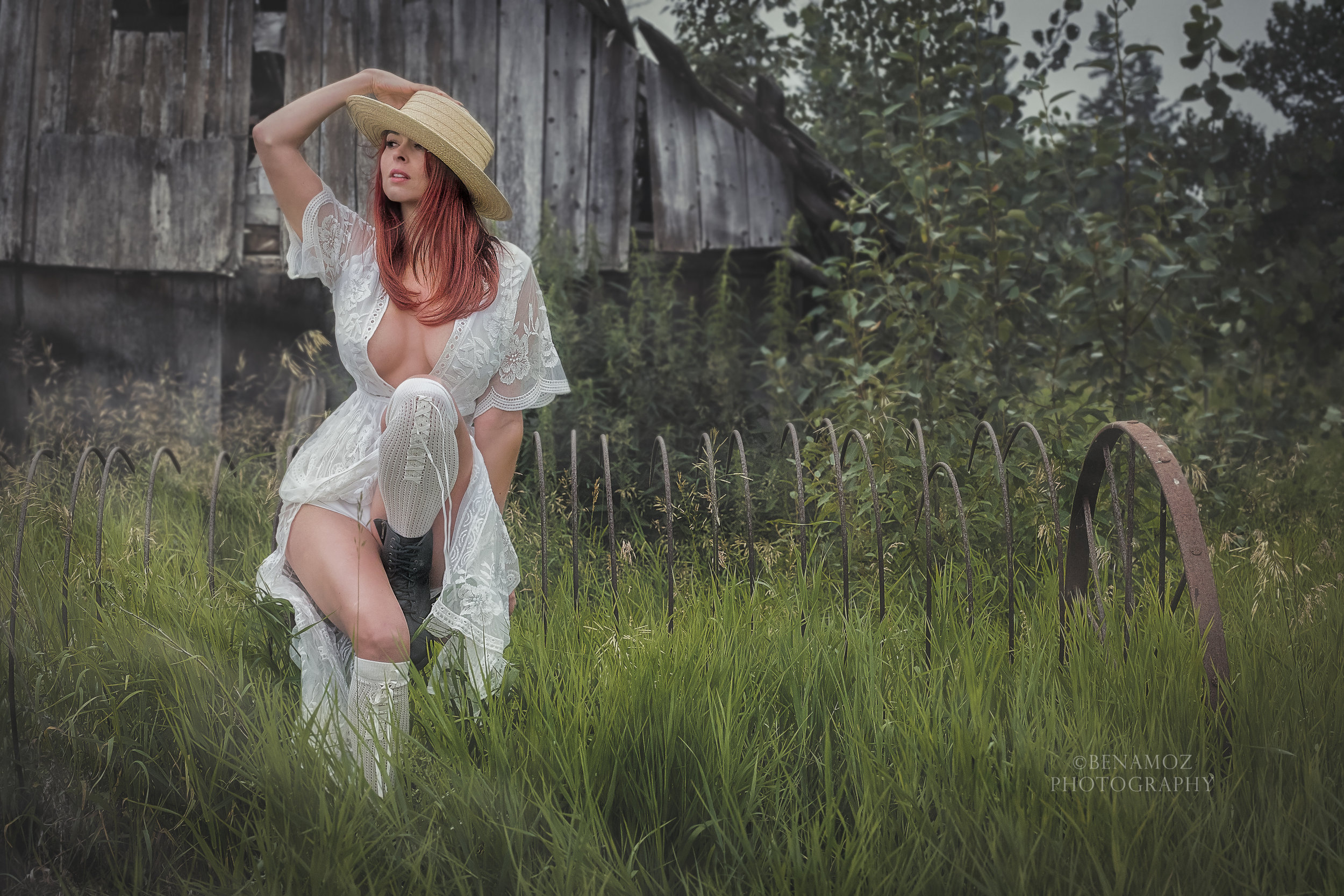 Our actor/model wanted a more alluring look with a mix of rustic. She pulled this off quite nicely!