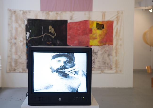 Gabriel Lester  All Wrong , 2005 DV-PAL(22 min., 19 sec.)