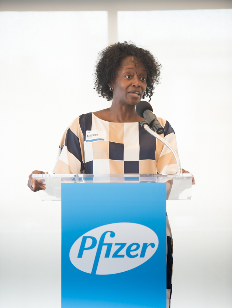 pfizer_event_aug2016_ (19 of 82).jpg