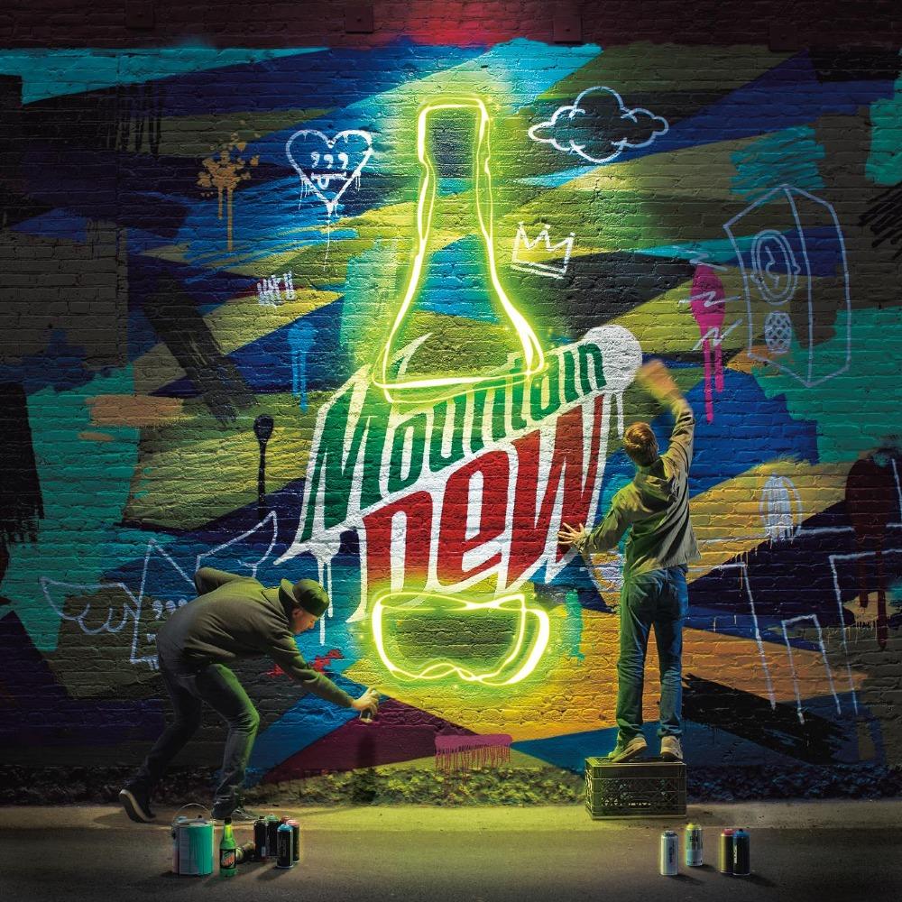 MD_Neon_Mural_Longneck_0113_1000_1000.jpeg