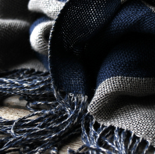 Double - woven scarves.