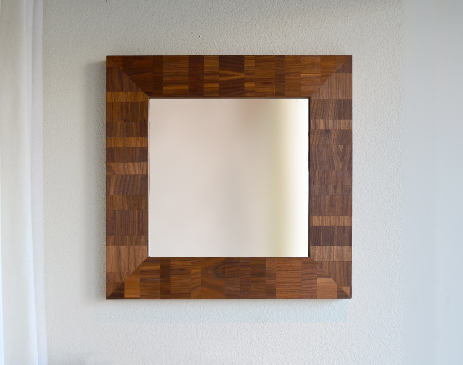 v_walnut_mirror.jpg