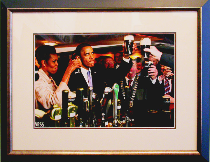 Obama-in-Irish-Pub.jpg