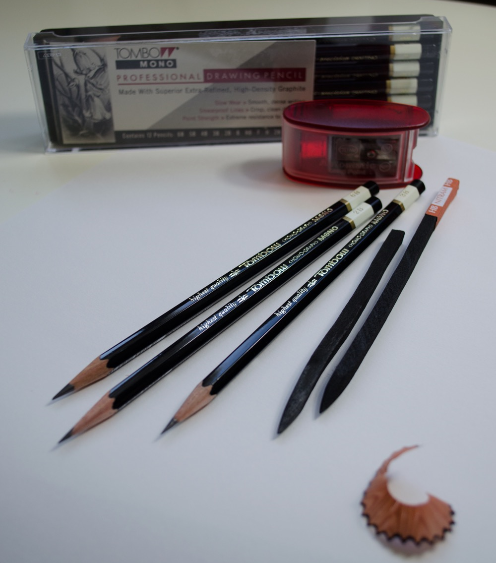 Tombow Mono Drawing Pencils, KUM Sharpener/Lead Pointer and HB Nitram Académie Fusain Charcoal Sticks
