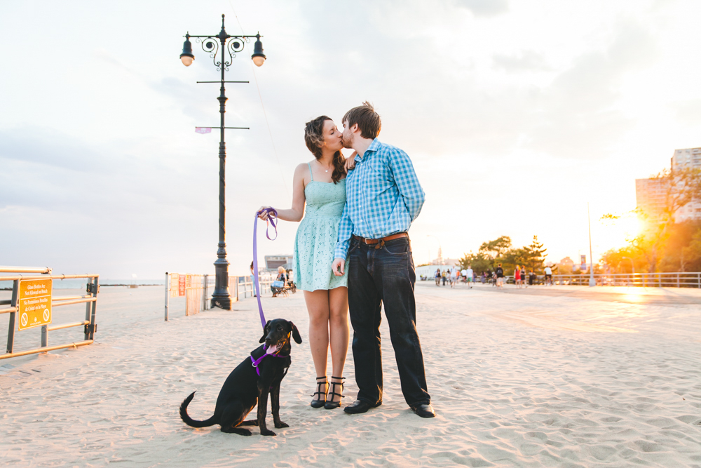 Coney-Island-Engagement-Photography-Elvira-Kalviste-11.jpg