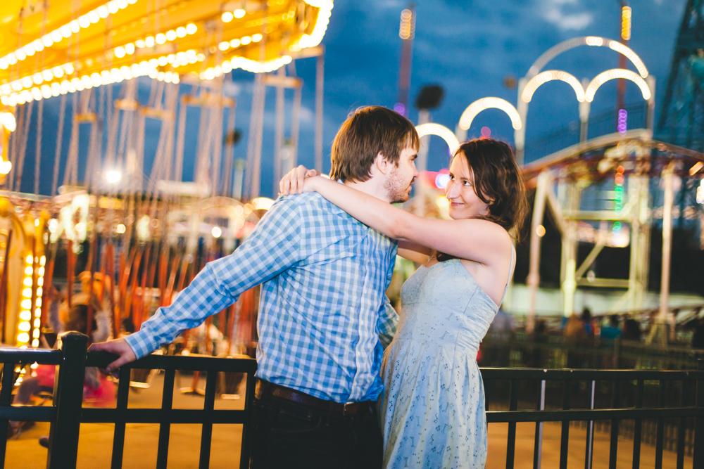 Coney-Island-Engagement-Photography-Elvira-Kalviste-28.jpg