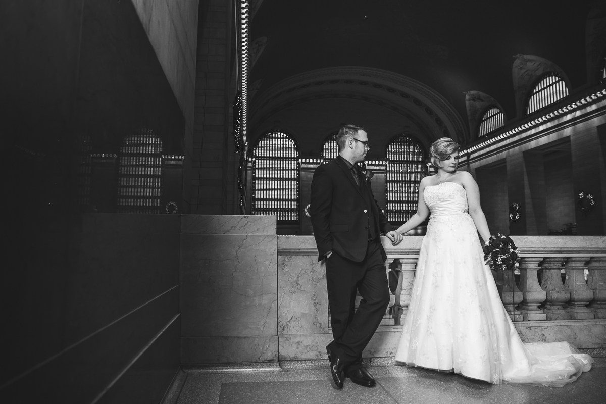 Kara-Adam-New-York-Elopement-Photography-Grand-Central-Bryant-Park-14.jpg